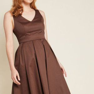 NWOT Modcloth Triumphantly Timeless Pleated Dress